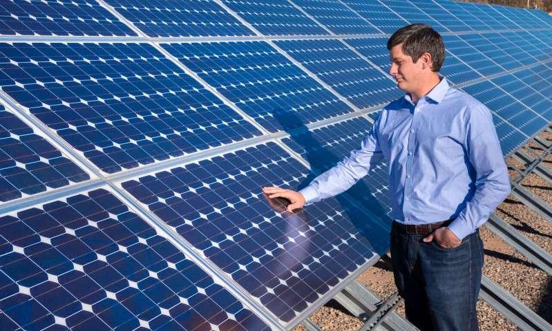 Dėl paramos saulės elektrinėms ir naujiems katilams gyventojai kreipėsi 2700 kartus